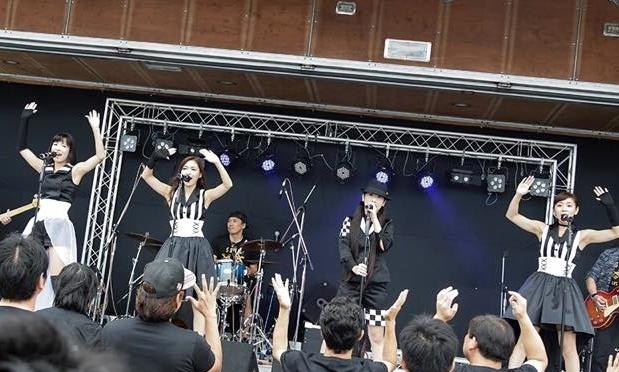 めんたいロックを掲げるLinQの派生ユニット「SRAM」〜SARA、AYA、MYU、LADY Kインタビュー