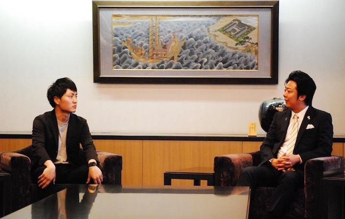 明星和楽、福岡市高島市長に表敬訪問